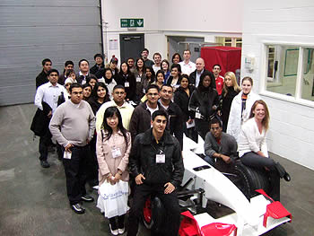 Undergrad Students on an Industrial Visit